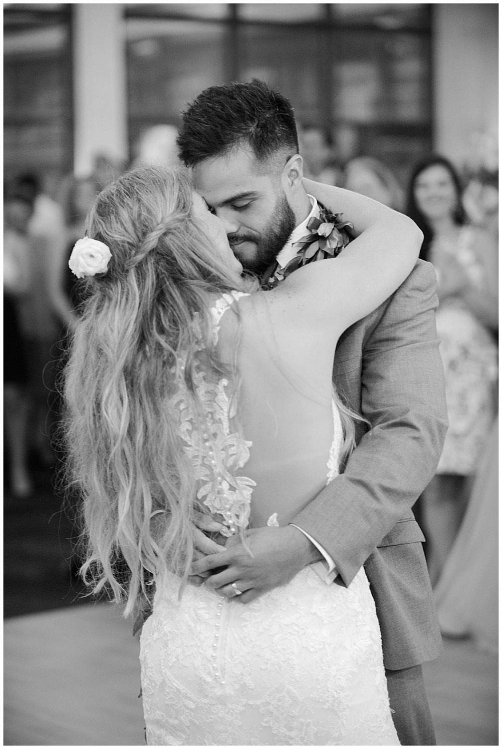 Black and white photo bride and groom first dance